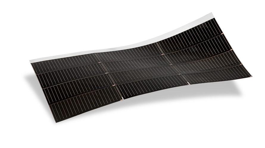 アウディがMiaSoleのソーラー発電シートを採用~ソーラー発電~車~屋根~壁面